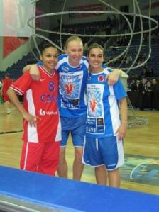 Edwiges Lawson-Wade, Ann Wauters e Becky Hammon