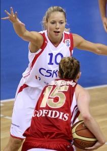 Ilona Korstin atenta no duelo contra o Lille na semana passada