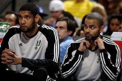 Parker e Duncan observam a fácil vitória do banco de reservas