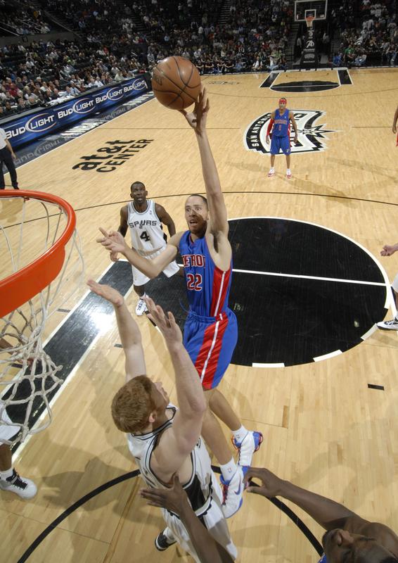 Mais uma vez Tayshaun Prince foi o destaque do Pistons (Photo by D. Clarke Evans/NBAE via Getty Images)