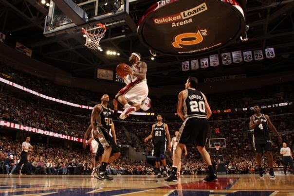 Como de costume, LeBron James fez grande partida (yahoo.com/sports)