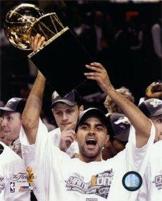 Parker conhece o gostinho de levantar um título da NBA; ano que vem San Antonio voltará com tudo?