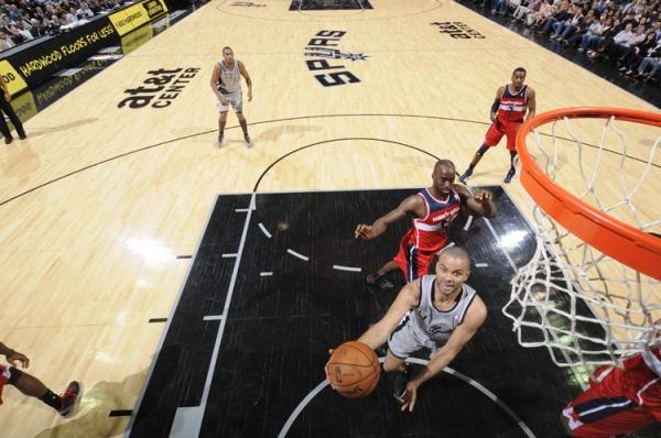 Parker mais uma vez mostrou porque está no All-Star Game.