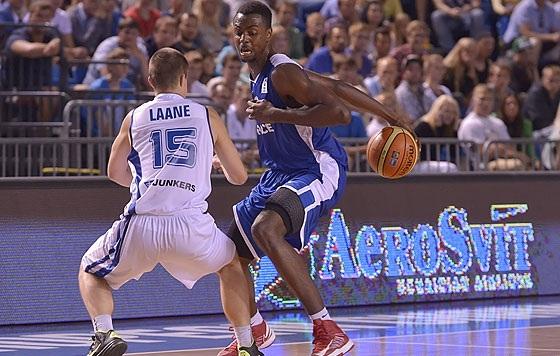 Jean-Charles é um dos destaques do torneio (FIBA Europe/Castoria/Marchi)