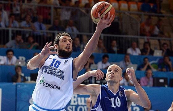 Belinelli ajudou a Itália a vencer (Fiba Europe/Castoria/Ceretti)