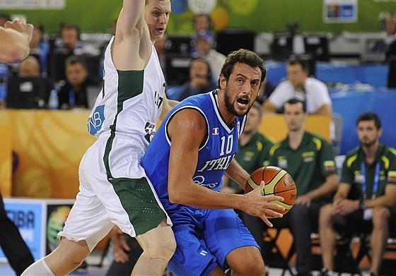 Belinelli se destacou, mas não foi o bastante (FIBA Europe/Castoria/Bellenger)