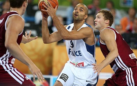 Parker se destacou contra a Letônia (FIBA Europe/Elio Castoria)