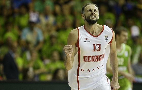 Sanikidze vai jogar no basquete espanhol (FIBA Europe/Castoria/Podlewski)