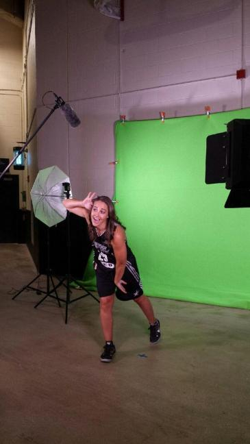 Becky Hammon no Media Day de 2014 do San Antonio Stars (Twitter)
