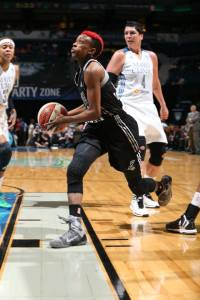 Danielle Robinson é o destaque absoluto do San Antonio Stars na temporada de 2014 da WNBA (David Sherman)