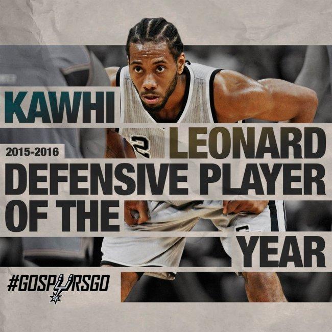 Kawhi Leonard venceu novamente o prêmio de defensor do ano (Reprodução/nba.com/spurs)